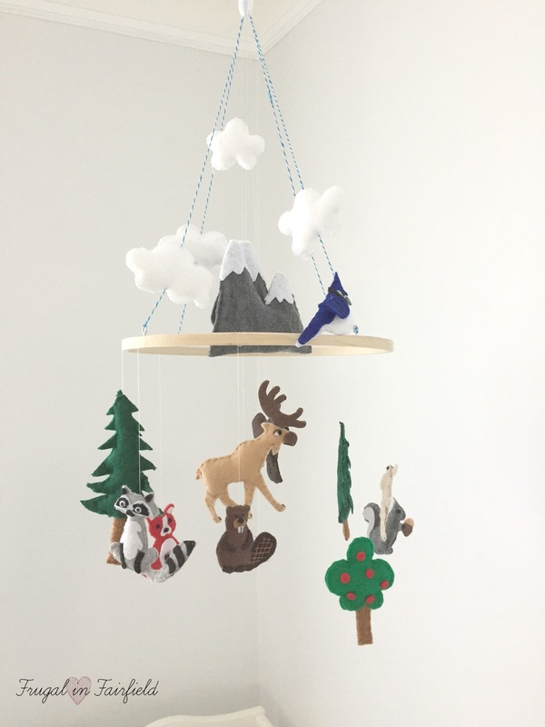 DIY Felt Woodland Mobile. Make this cute mobile for your nursery!